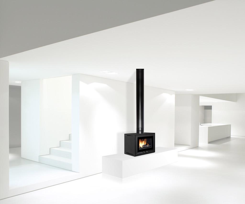 Insert cheminée Wodtke design compact Modbox sur socle en ambiance