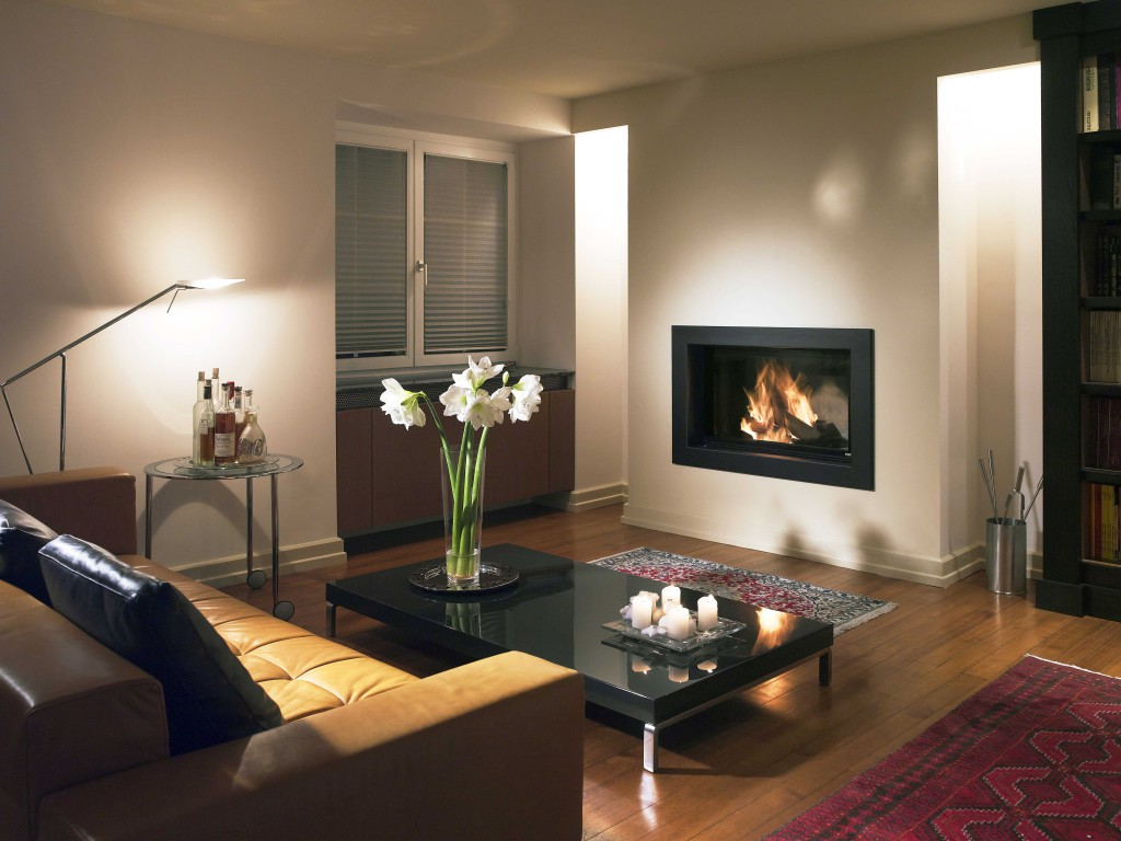 Habillage de cheminée Wodtke métallique coloré prisme Edel en ambiance