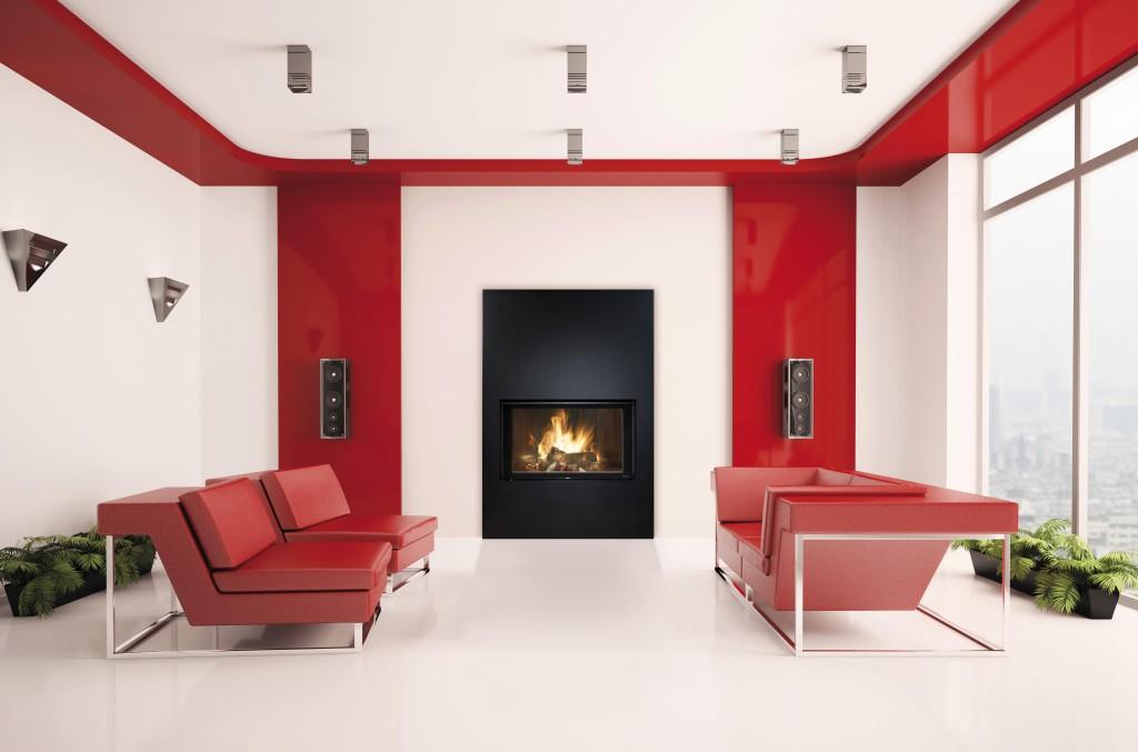 cheminée contemporaine Wodtke Ulys 900 habillage épure vertical noir vue d'ambiance